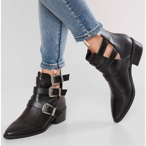 MADDEN GIRL Cecily black ankle booties